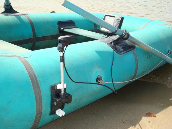 держатель для датчика эхолота на лодку купить