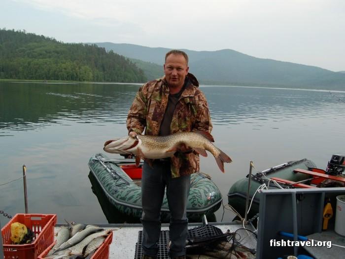 зимния рыбалка на байкале. видео