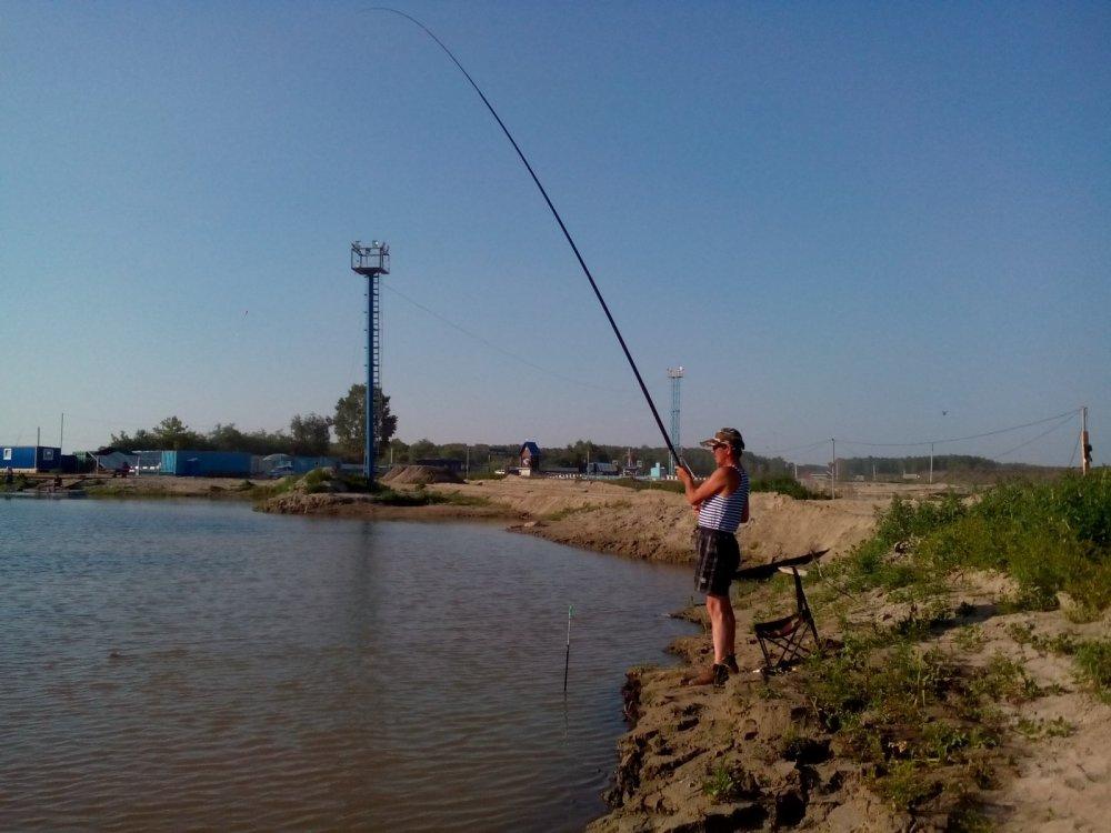 рыбалка в городе радужном