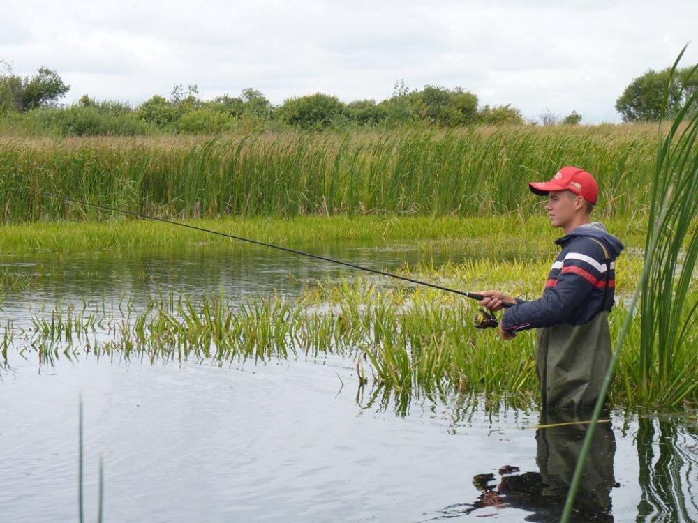 ловля на неогруженную резину на мелководье