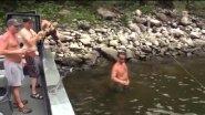 Неожиданный улов, Осетр в 3 метра на спиннинг!