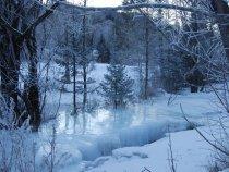 Замёрзший ручей