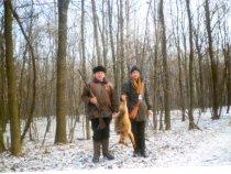 Фото десяти летней давности. С лева от меня - мой дедушка, трофей его!