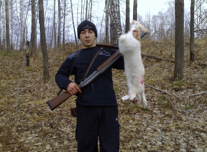 Первый заяц  добыт моим сыном.