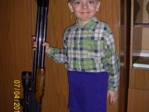 Папа достал свои ружья. Что еще нужно парням!