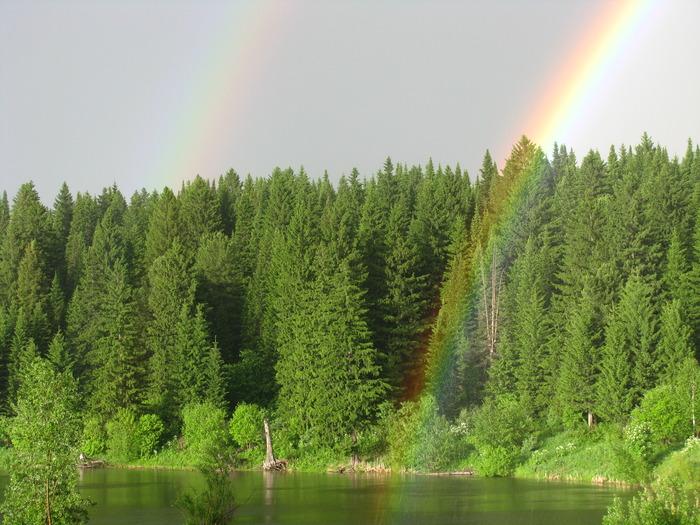 Радуги над озером :)