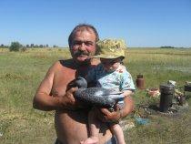 Отец с внуком на охоте!!!