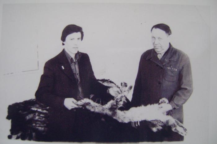 На практике по пушнине .Пуш.мех.база 02 1981г.