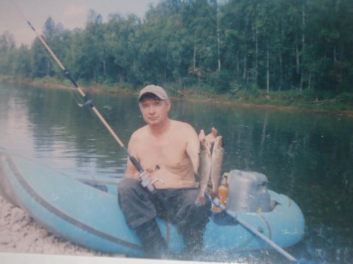 Отец на реке Агул.