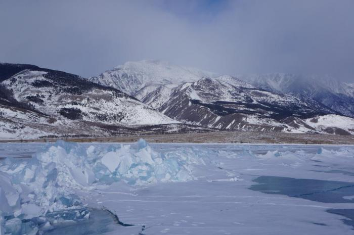 По льду священного Байкала