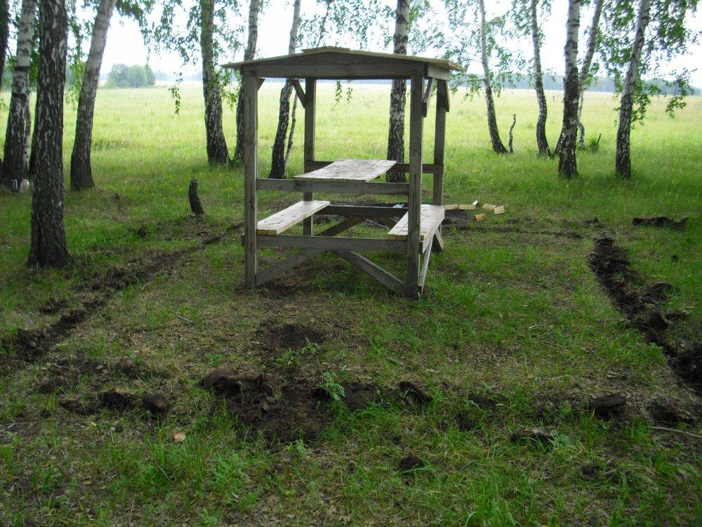 Место отдыха в лесу для охотников,изготовляемые нами.