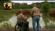 Инвалид охотится на гусей.