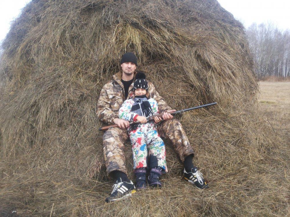 На охоте с дочерью Дашей.После первого в её жизни выстрела.