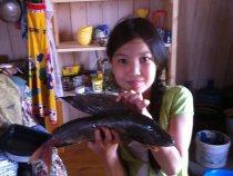 Деда приехал с рыбалки.