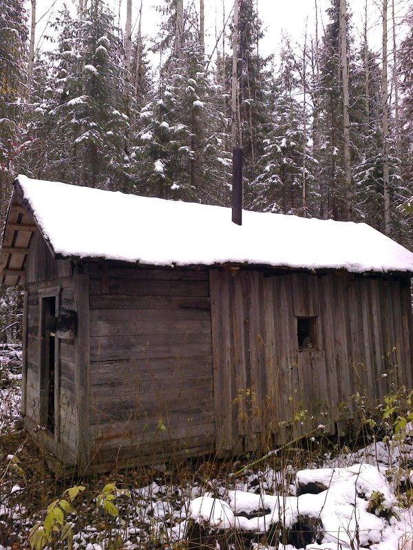 Избушка, первый снег