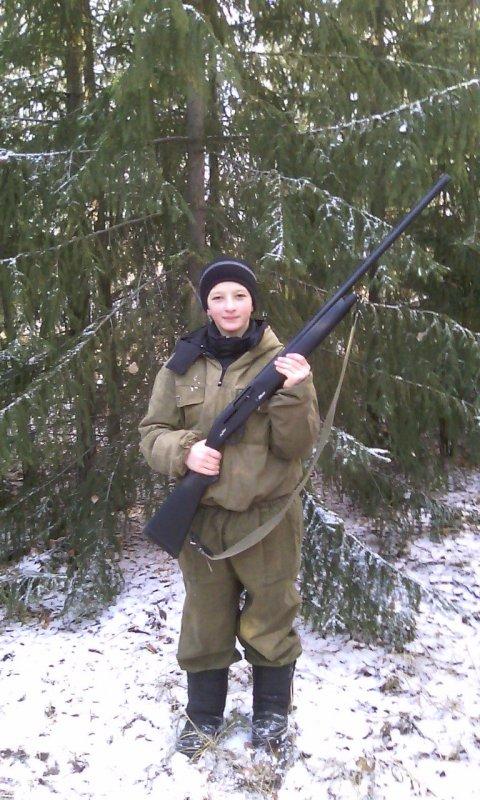 племяшь  12 лет армсана у бати отжал )))