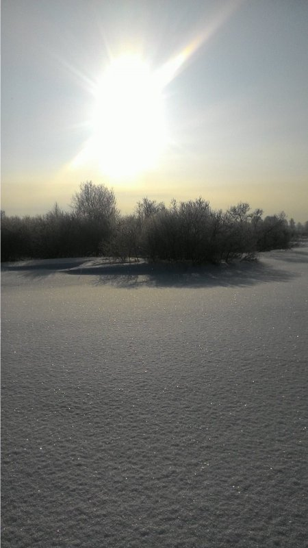 Искристый снежок.