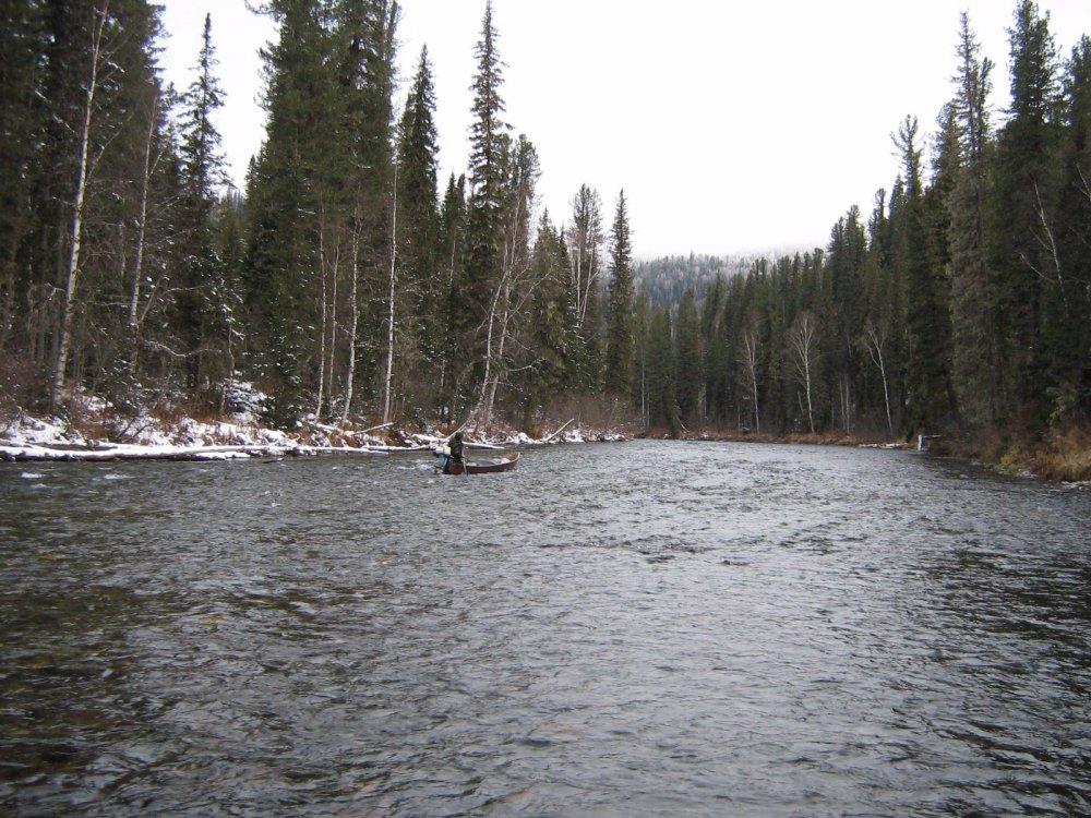 Река Бесь - первый снег.