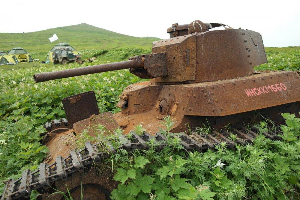 танк подбит в последнем бою ВОВ там и стоит где был подбит
