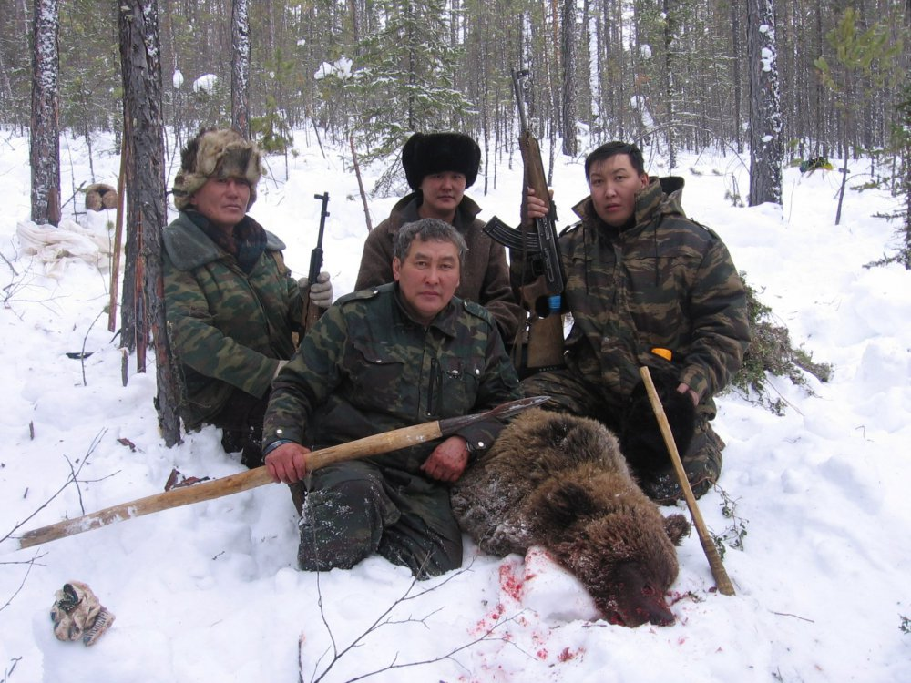Зимняя охота на медведя.