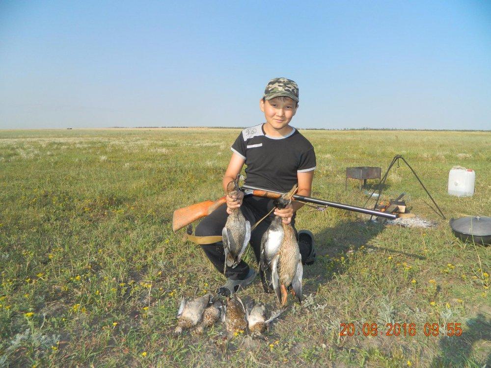 Молодежь приучаем к охоте.