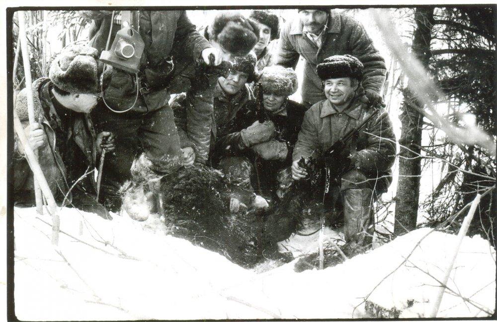 Общее фото после охоты на берлоге