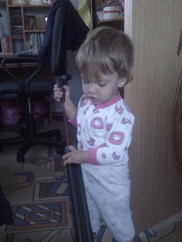 моя маленькая будущая охотница))