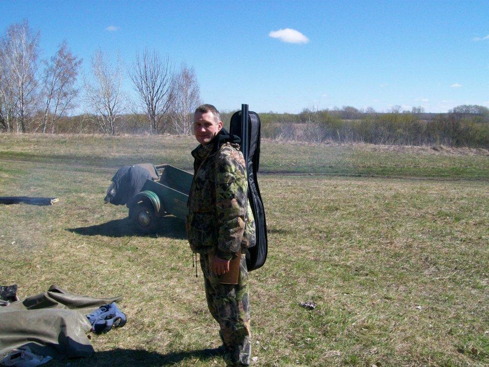 дядька собрался на охоту))весна 2016