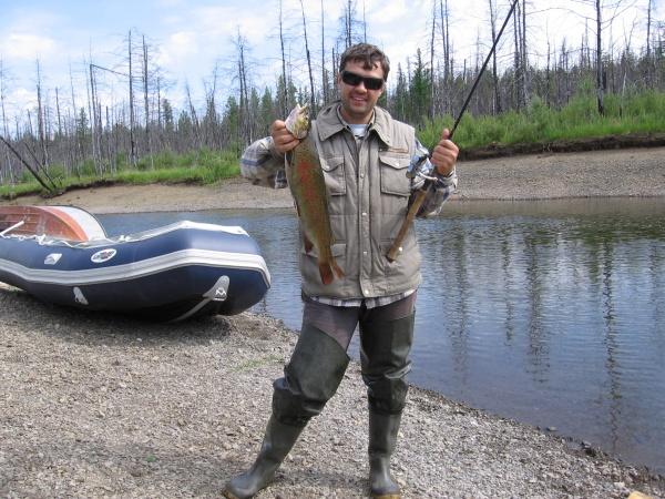 Первый ленок на реке Енчёмба 2,5 кг, приток Чуни (Эвенкия), июль 2006