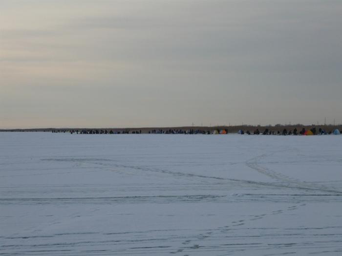 Озеро Чебачье,малая часть народа