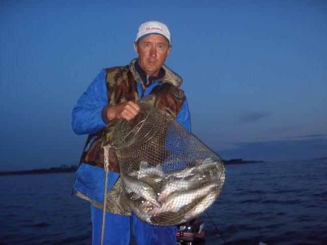 Поздний улов. Рыбка поймана с 20-30 до 21-45. Последний день июля.