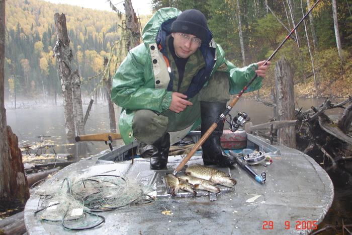 Ловится не только рыба, но еще и сети будь они неладны!!!