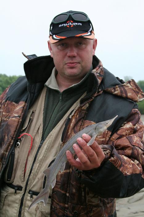 Пытался ловить леща, клевала сорная рыба, приходилось отпускать