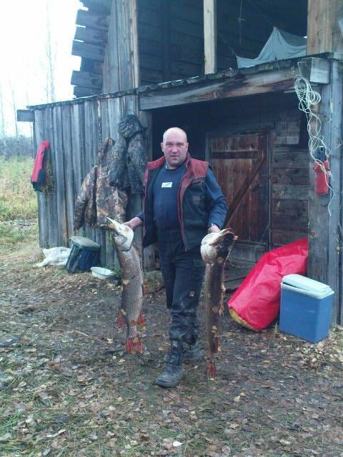 Друг Леха решил в душу на.рать. Прислал с рыбалки. Север ТО. 10 и 11.2 кг.