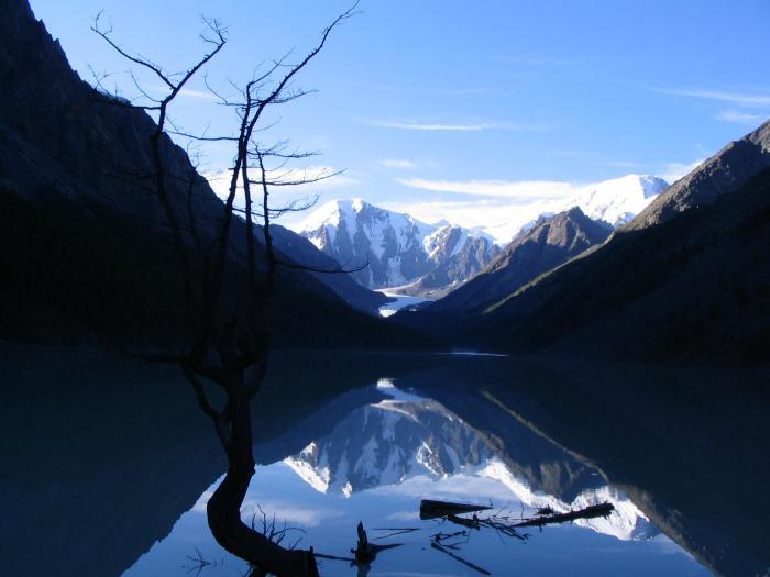 Алтай, конец июля. Озеро Машей (Мажой), раннее утро.