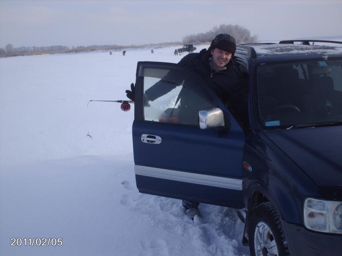 Друга первый раз за зиму вырвалса ...довольный....