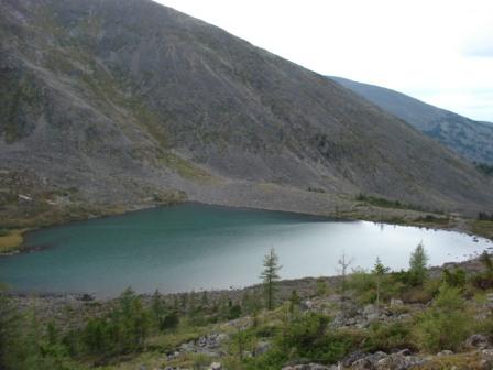 Чемальский район. Озеро Манас. Теплое....