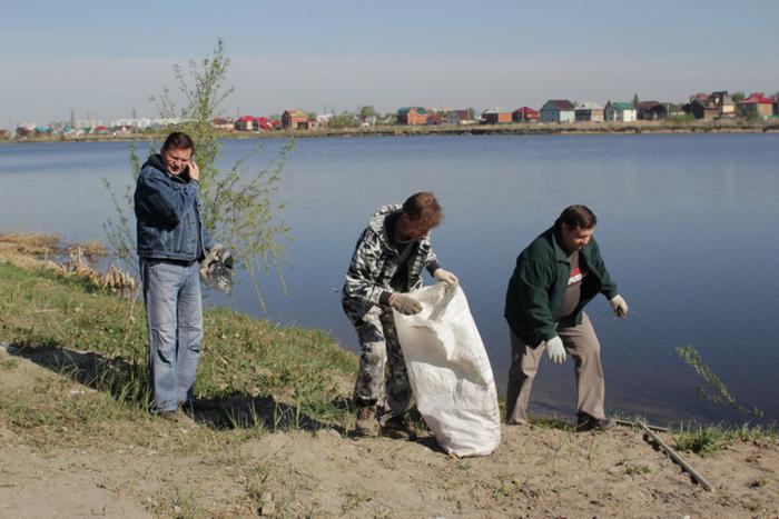 Фест лодо ПВХ 14мая, убрали мусор с берега