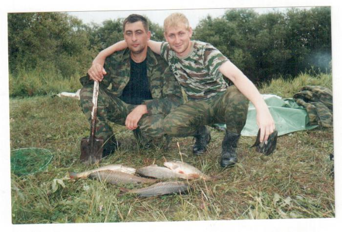 Хорошая рыбка.......проверено в ладошку не влазиет...