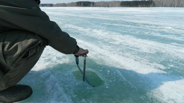 Толщина льда .