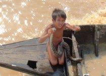 Вся Камбоджа в этих глазах