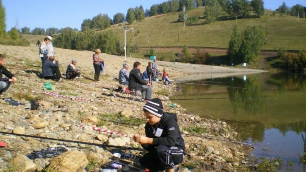 Открытые личные соревнования по спортивной ловле рыбы на поплавочную удочку, посвященные Дню города Горно-Алтайска