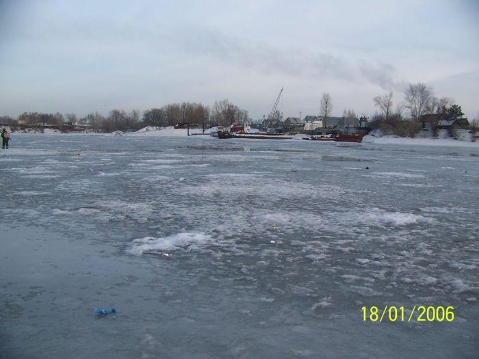 на лесоперевалке в субботу.на льду уже вода