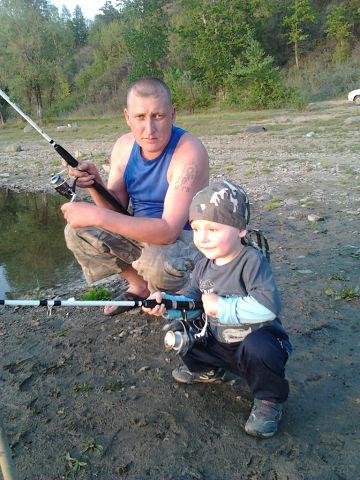 """КОНКУРС""Дима 2.5 года""первый раз на рыбалке"""