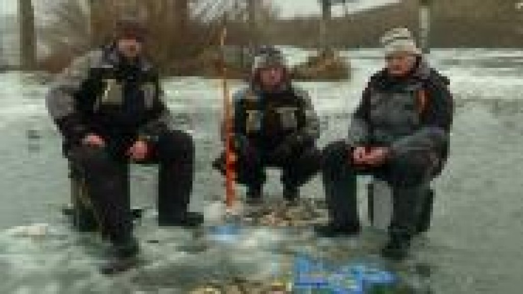 ловля карася и плотвы зимой