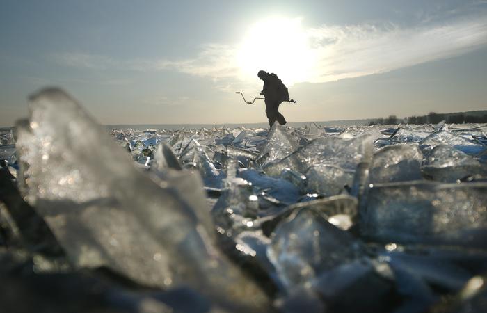 Суровое море. По зимним волнам