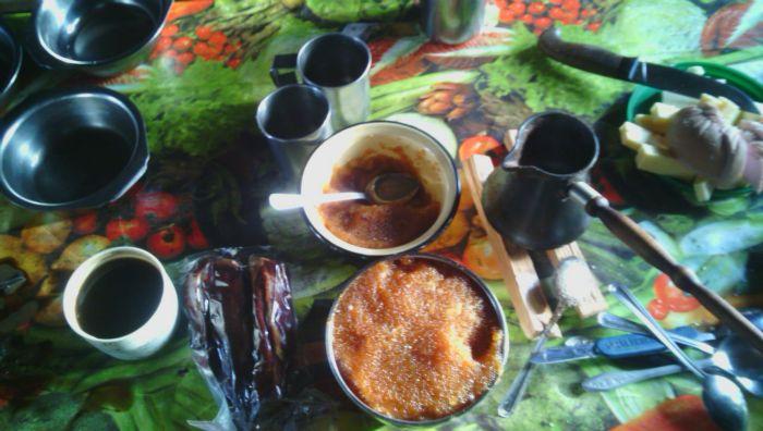 утренний кофе перед рыбалкой
