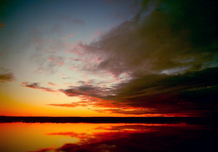 Закат на родном озере