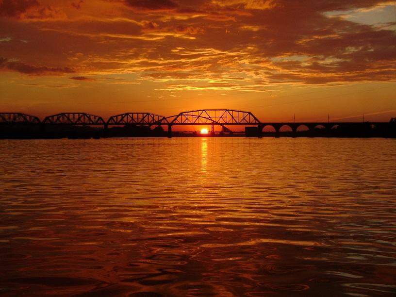 По ту сторону моста