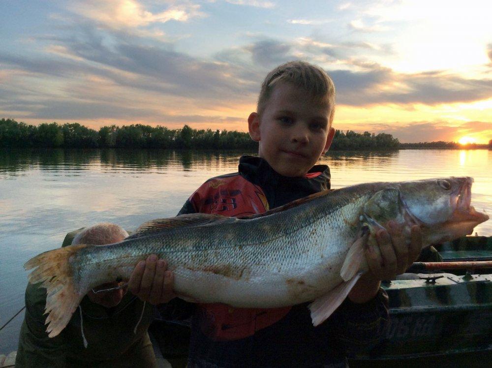 В рыбалке все должно быть прекрасно...и рыба и рыбак и природа!